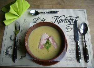 Kartoffel-Meerettich-Suppe mit Forelle