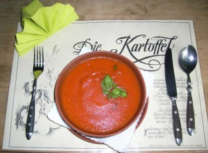 Kartoffel_Tomaten_Cremesuppe_mit_Basilikum