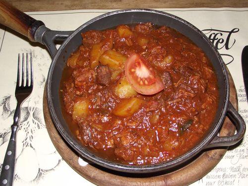 Ungarisches gulasch mit kartoffeln heidefarmen blog for Ungarisches paprikapulver