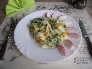 Lauchsalat mit Kartoffelnudeln