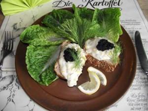 Kartoffel-Lauch-Canapé mit Kaviar