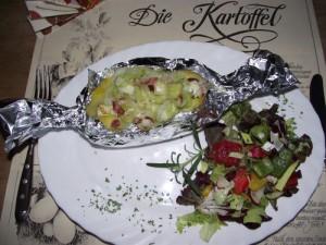 Ofenkartoffel mit Porree-Speck Füllung