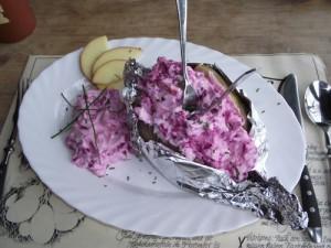 Ofenkartoffel mit Rote Bete Quark