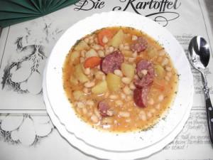 herzhafte Bohnensuppe