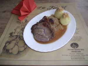 Bayerischer Schweinebraten mit Honigkraut