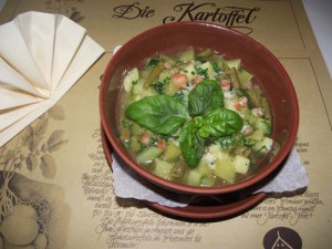 Gemüsesuppe nach Mailänder Art
