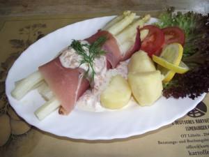Spargel mit Serranoschinken und Lachs - Meerreittich Sauce