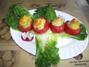 gefüllte Tomaten mit Kräuter-Kartoffelpürree