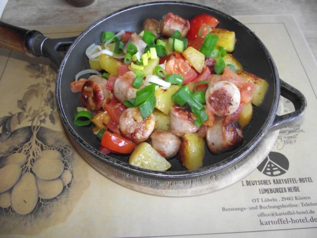 Tomaten-Bratwurst-Pfanne