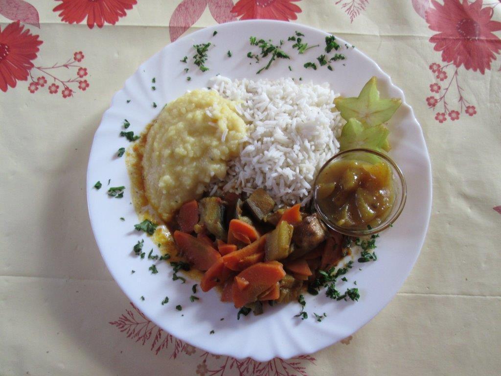 Auberginen Curry mit Karotten