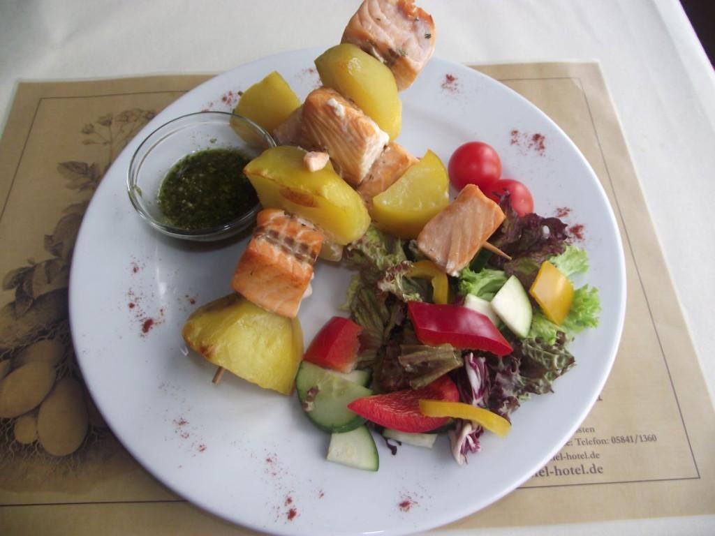 Kartoffel-Lachs-Spiesse