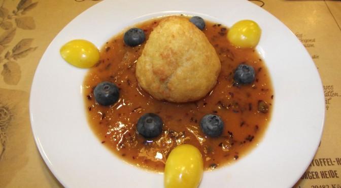 Kartoffelbirnchen auf Blaubeer-Mirabellenspiegel