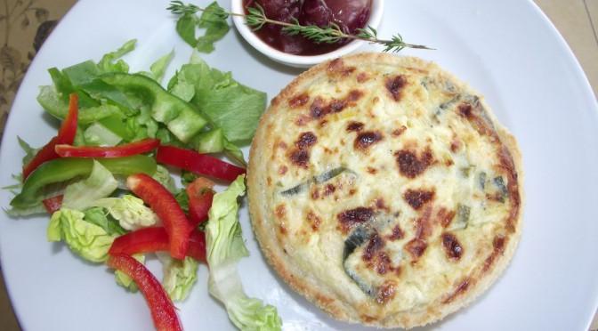 Lauch-Käse-Tarteletts mit Zwiebelkonfitüre