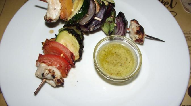 Puten-Gemüse-Spieße mit Korianderpesto