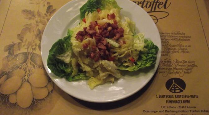 Chinakohlsalat mit Schinken und Paprika