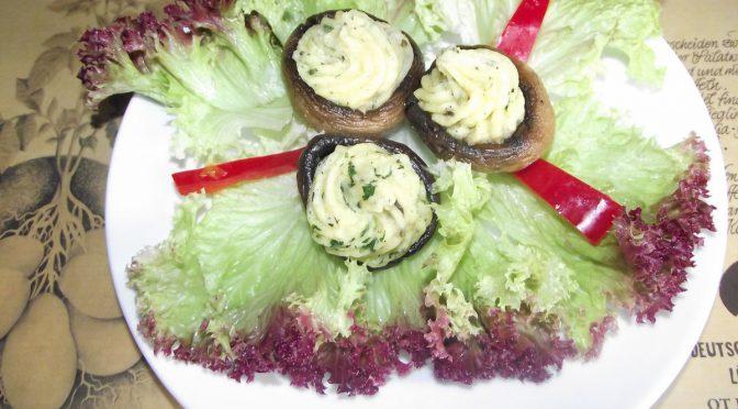 Champignons gefüllt mit Kräuter-Kartoffelpürree