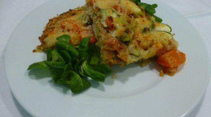 Kartoffelpizza mit Paprika und Zucchini