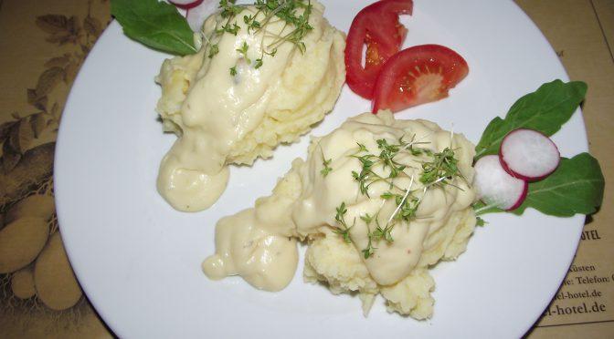 Eier in Kresse-Senf-Sauce