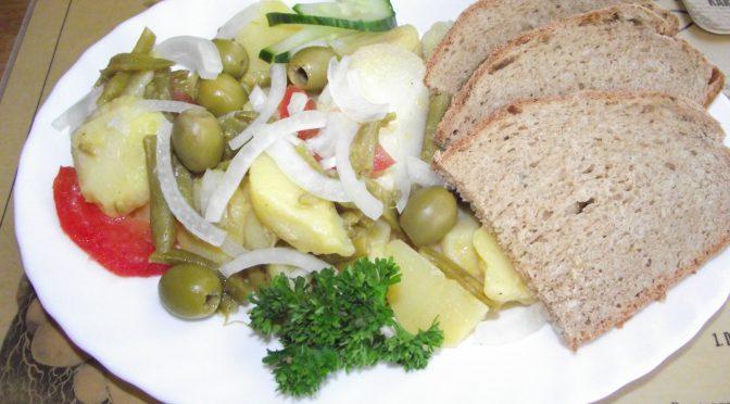Gemüsesalat mit Kartoffeln