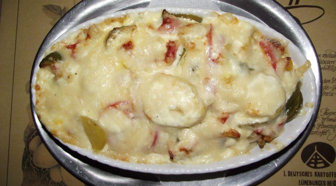 Kartoffel-Paprika-Gratin mit Knoblauchsahne