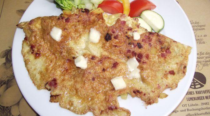 Kartoffel-Speck-Omelett mit Mozzarella