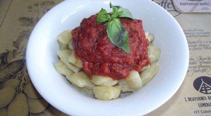 Gnocchi mit Amatriciana-Sauce