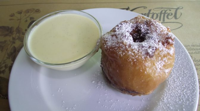Bratapfel mit Vanillesauce