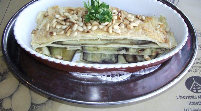 Lasagne mit Aubergine und Pinienkerne