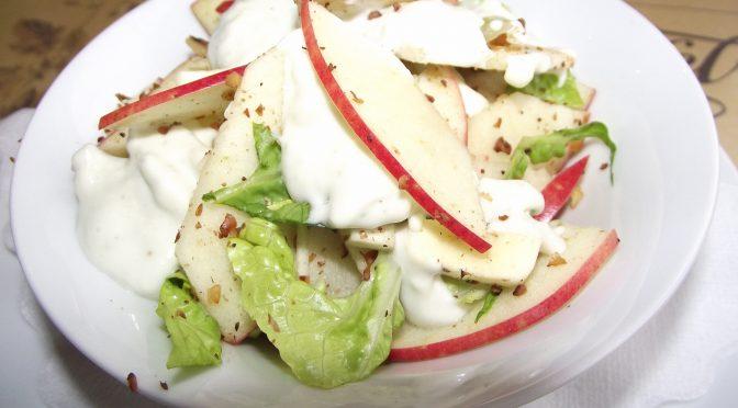 Sellerie-Apfel-Salat mit blauschimmelkäse