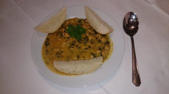 Kichererbsen-Curry mit Lauch, Steckrübe und Kohl
