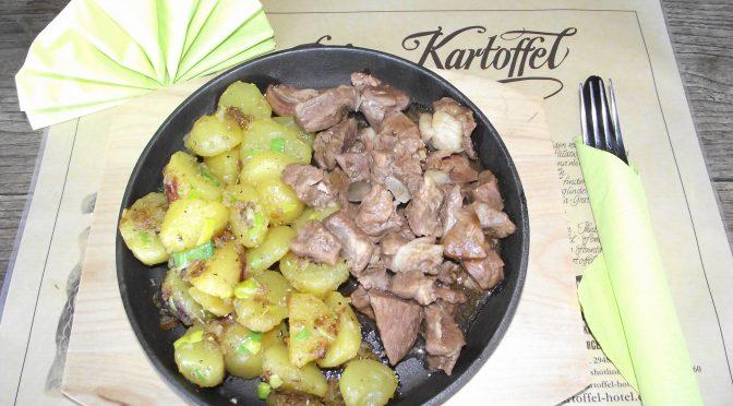 Kräuter-Kartoffeln mit Zwiebeln