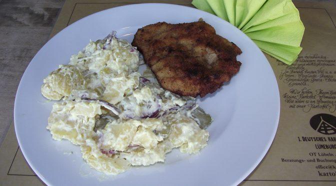 Schweineschnitzel mit Kartoffel-Salat